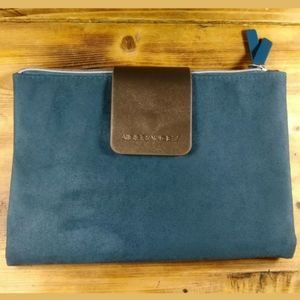 Air France Traveling Clutch Teal Blue